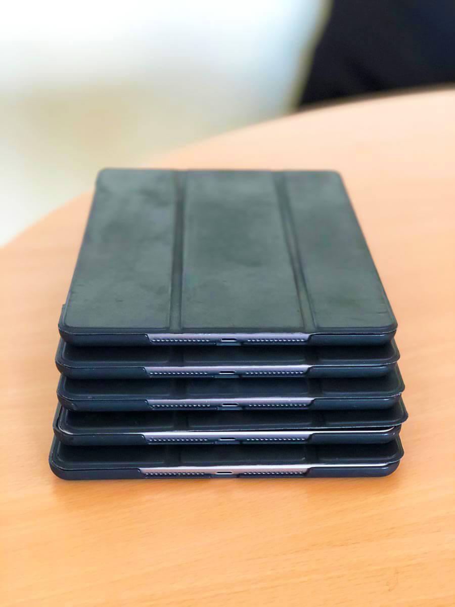 Neue iPads für die Friedrich-Ebert-Schule Hürth